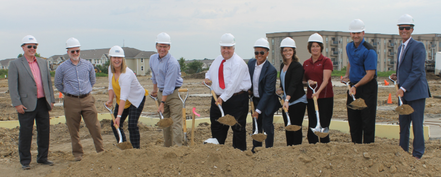 Picture of Ankeny Northwest Bank Employees breaking ground at the new build site.